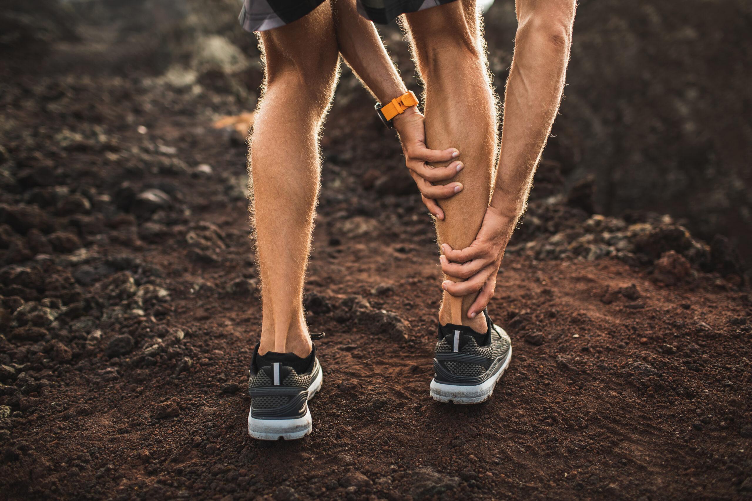 onderzoek en behandeling van shin splints door sportfysiotherapeut van sport medisch centrum papendal